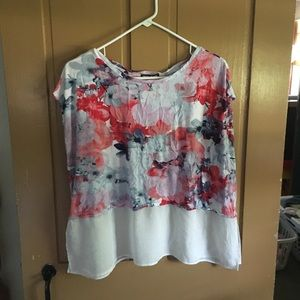 floral blouse With White Hem.  No flaws